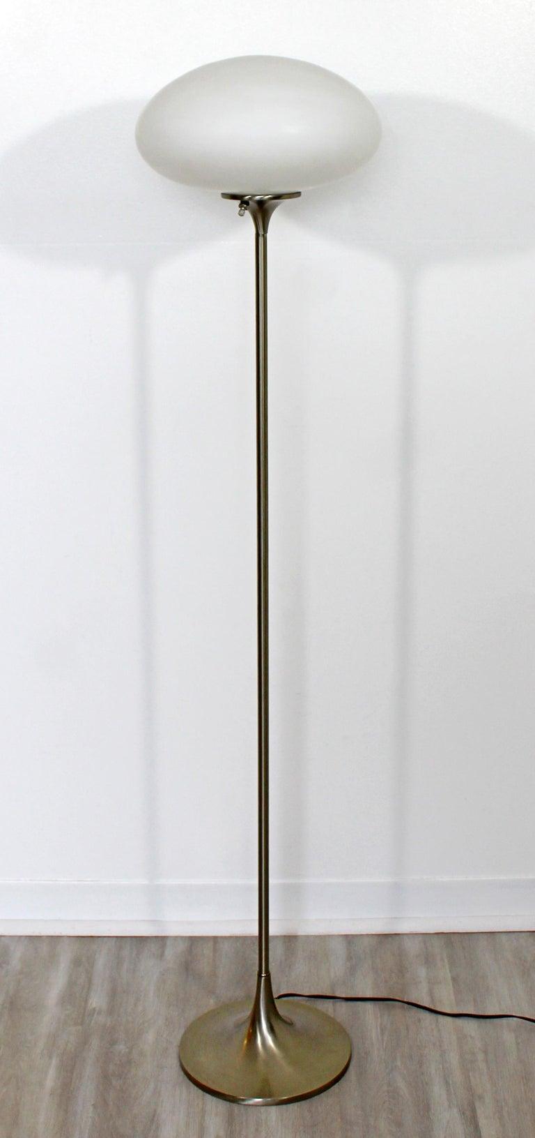 Mid-Century Modern Brushed Steel Glass Mushroom Standing Floor Lamp Laurel 1970s In Good Condition For Sale In Keego Harbor, MI