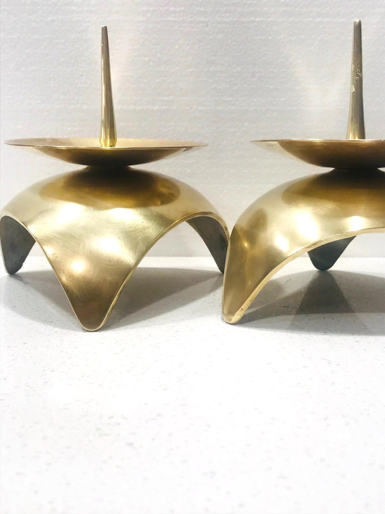 Mid-Century Modern Brutalist Japanese Candleholders in Solid Brass, circa 1960s In Good Condition For Sale In Miami, FL