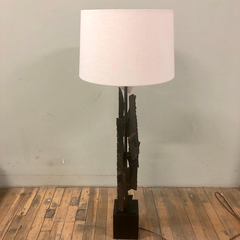 Mid-Century Modern Brutalist Lamp In Excellent Condition For Sale In Minneapolis, MN