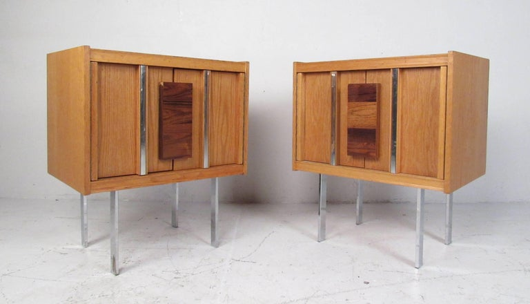 Mid-Century Modern Brutalist Oak and Rosewood Bedroom Set In Good Condition For Sale In Brooklyn, NY
