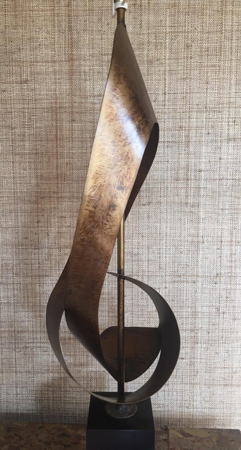Mid-Century Modern Brutalist Sculptural Table Lamp by Harry Balmer for Laurel In Good Condition For Sale In Lambertville, NJ