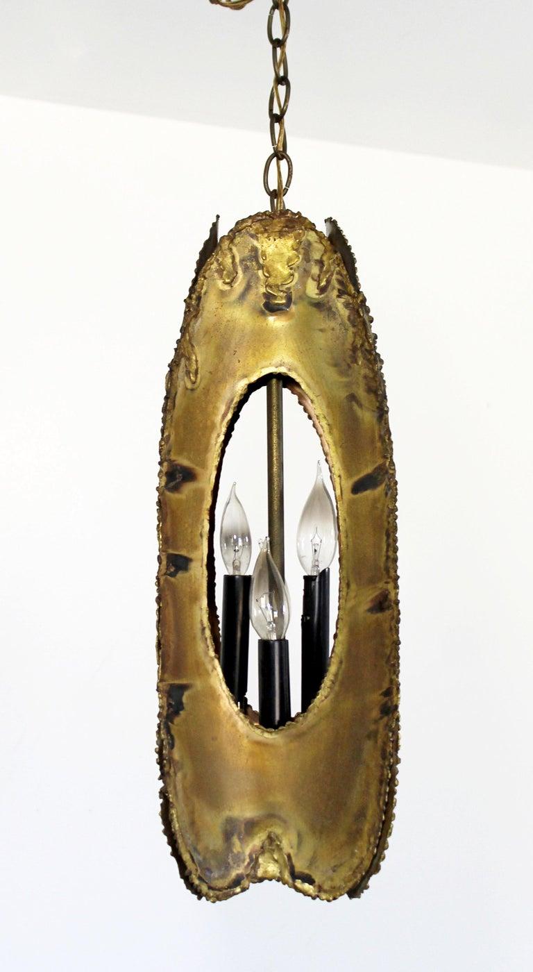 American Mid-Century Modern Brutalist Torchcut Brass Pendant Light Fixture Tom Greene For Sale