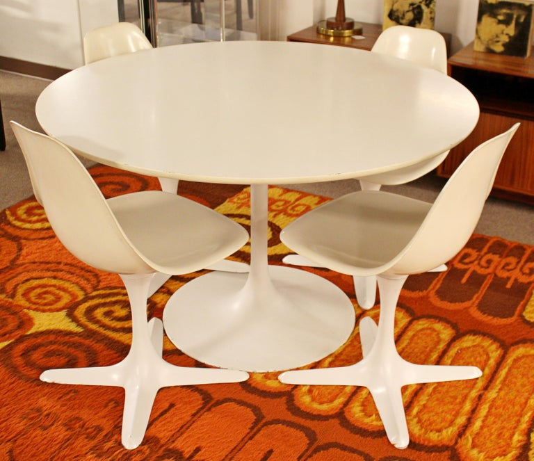 Mid-Century Modern Burke Tulip Propeller Dining Dinette Set Table 4 Chairs 1960s In Good Condition For Sale In Keego Harbor, MI