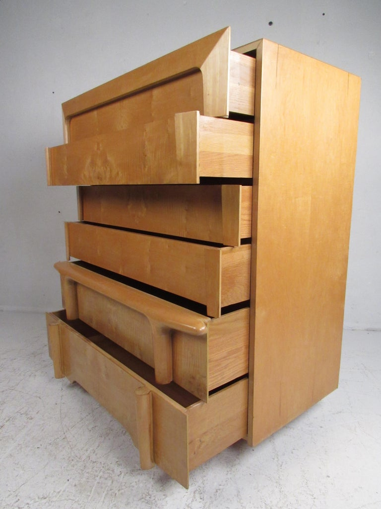 Mid-Century Modern Burl Maple Bedroom Set in the Style of Heywood Wakefield For Sale 1