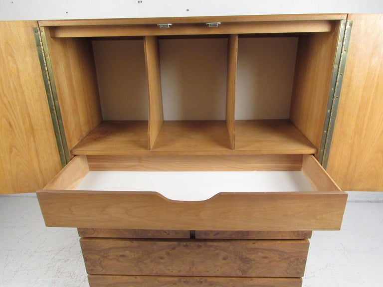 Mid-Century Modern Burl Wardrobe by Lane Furniture In Good Condition For Sale In Brooklyn, NY