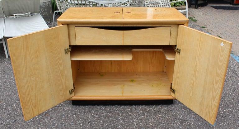 Mid-Century Modern Burled Olive Wood Henredon Dry Bart Cart on Wheels 1970s For Sale 6
