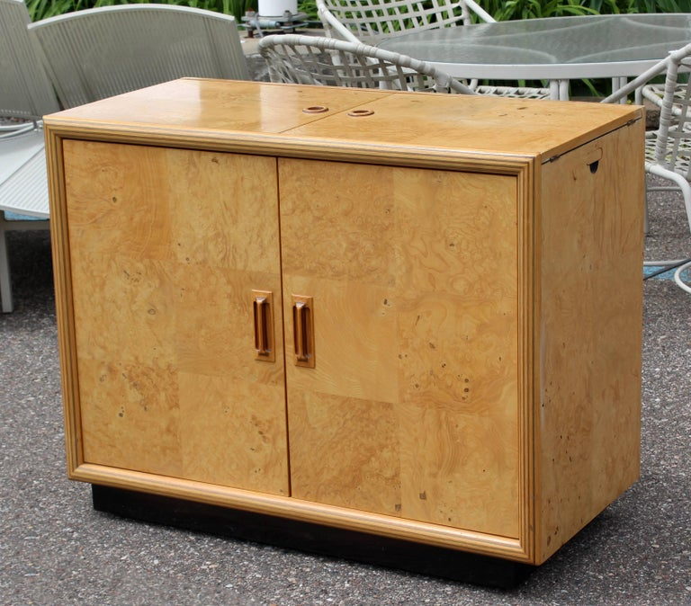 Mid-Century Modern Burled Olive Wood Henredon Dry Bart Cart on Wheels 1970s In Good Condition For Sale In Keego Harbor, MI