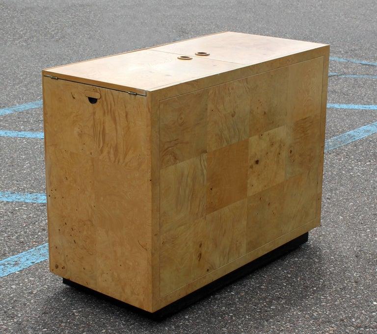 Mid-Century Modern Burled Olive Wood Henredon Dry Bart Cart on Wheels 1970s For Sale 1