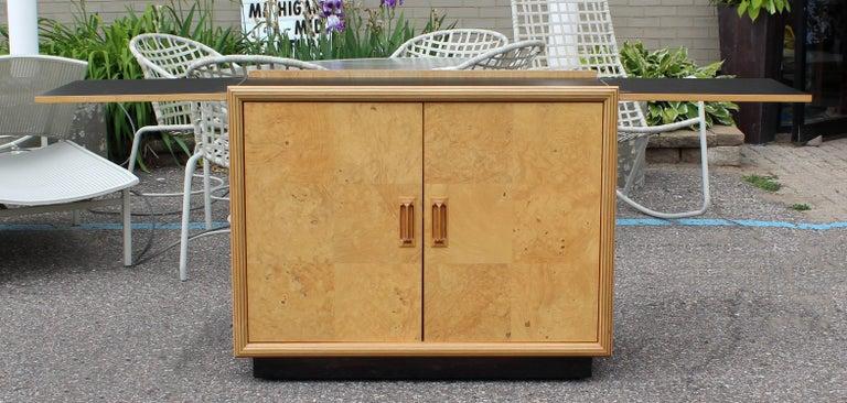 Mid-Century Modern Burled Olive Wood Henredon Dry Bart Cart on Wheels 1970s For Sale 3