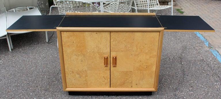 Mid-Century Modern Burled Olive Wood Henredon Dry Bart Cart on Wheels 1970s For Sale 4