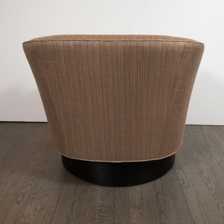 Mid-Century Modern Button Back Swivel Chair in Holly Hunt Umber Fabric For Sale 1