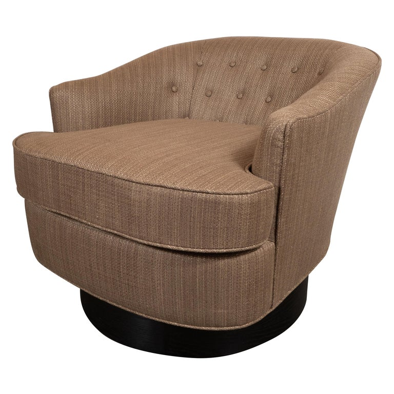 Mid-Century Modern Button Back Swivel Chair in Holly Hunt Umber Fabric For Sale