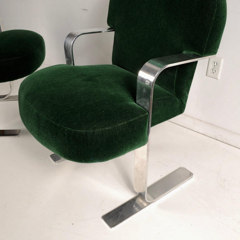 Mid-Century Modern Cantilevered Chairs For Sale 7