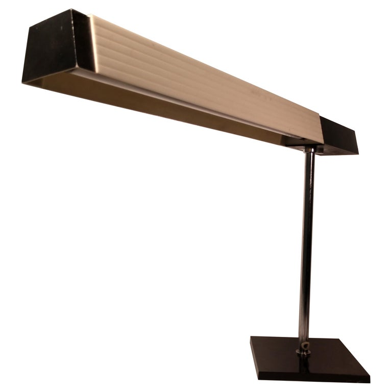 Mid-Century Modern Cantilevered Desk Table Lamp by Lightolier, Japan For Sale