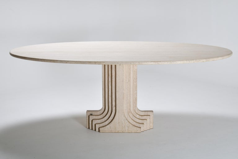 Mid-Century Modern Carlo Scarpa Cream Travertine Pedestal Dining Table, 1970 In Good Condition For Sale In Le Grand-Saconnex, CH