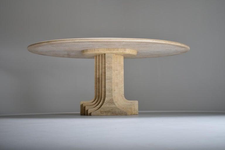 Late 20th Century Mid-Century Modern Carlo Scarpa Cream Travertine Samo Dining Table, Italy, 1970 For Sale