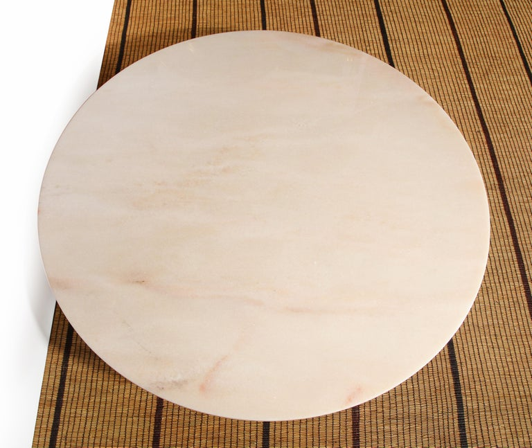 Mid-Century Modern Carrara Marble and Brass Round Coffee Table, Italy, 1950s For Sale 3