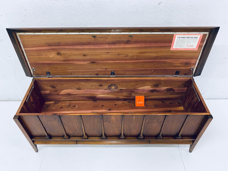 Mid-Century Modern Cedar Lined Chest by Lane For Sale 4