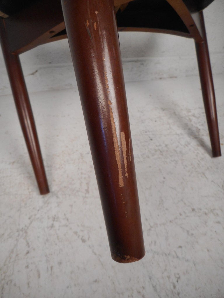 Mid-Century Modern Chair by Kedawood Furniture For Sale 9