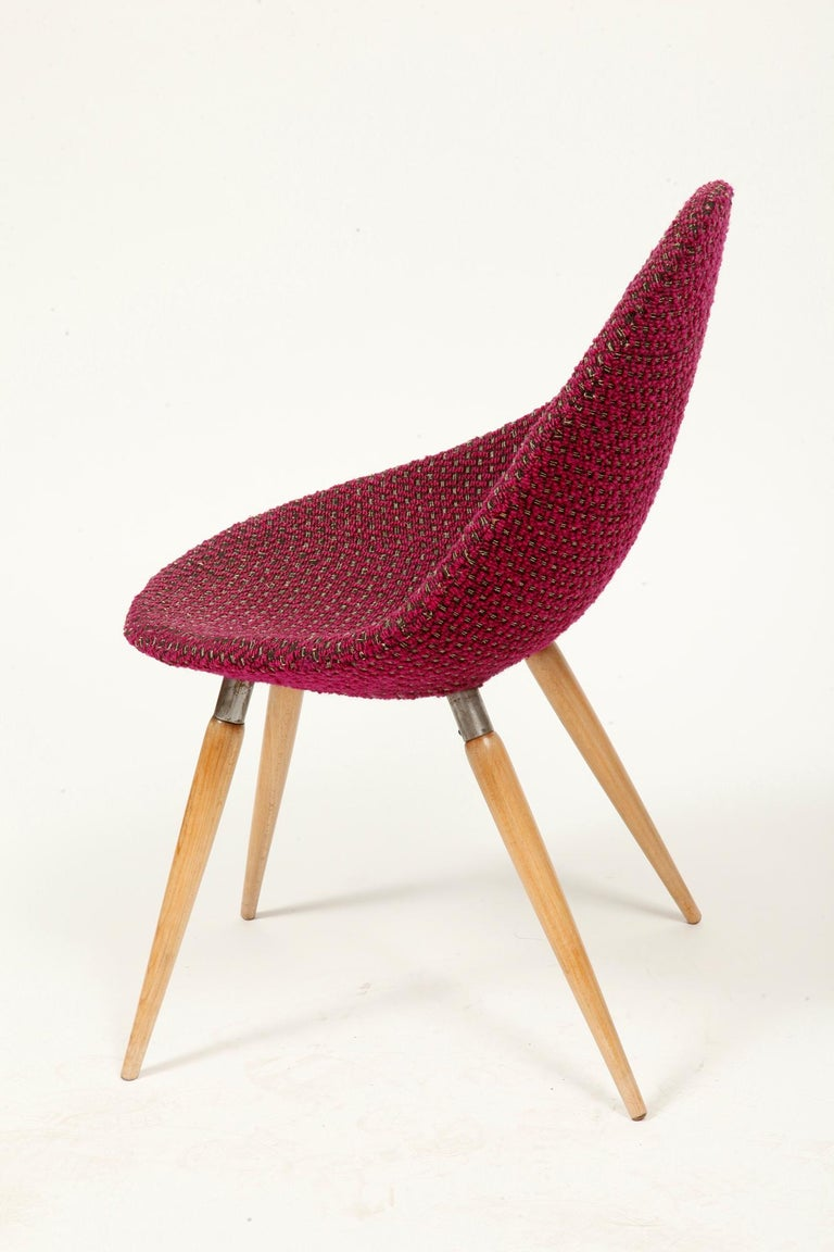 Mid-Century Modern Chair of M. Navratil in Original Violet Upholstery, 1960s For Sale 3