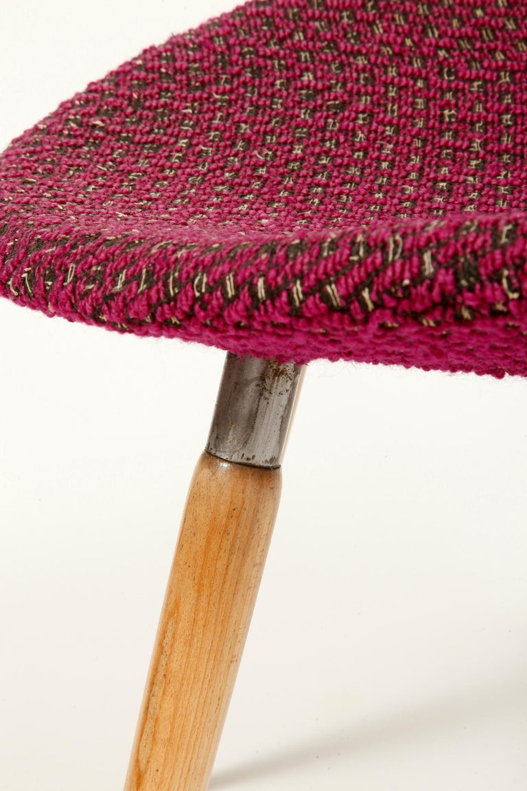 Mid-Century Modern Chair of M. Navratil in Original Violet Upholstery, 1960s For Sale 5