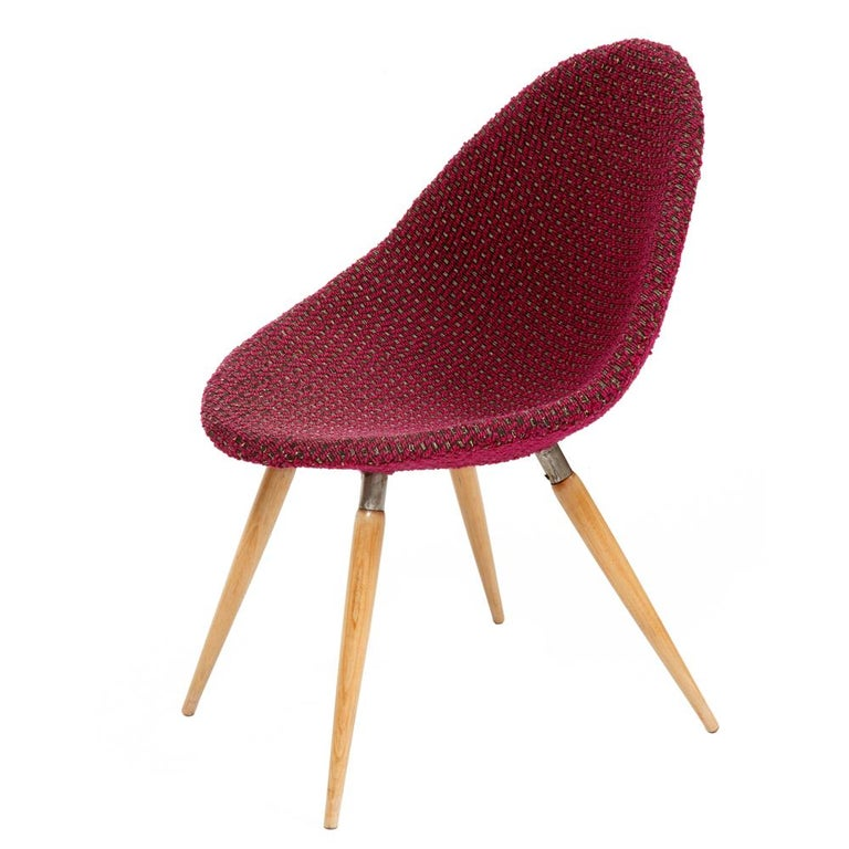 Mid-Century Modern Chair of M. Navratil in Original Violet Upholstery, 1960s For Sale