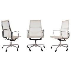 Mid-Century Modern Charles Eames for Herman Miller Aluminum Group Office Chair
