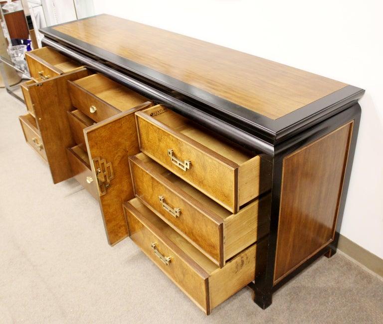 Mid-Century Modern Chin Hua Century Burl Wood and Brass Credenza Dresser, 1970s 3
