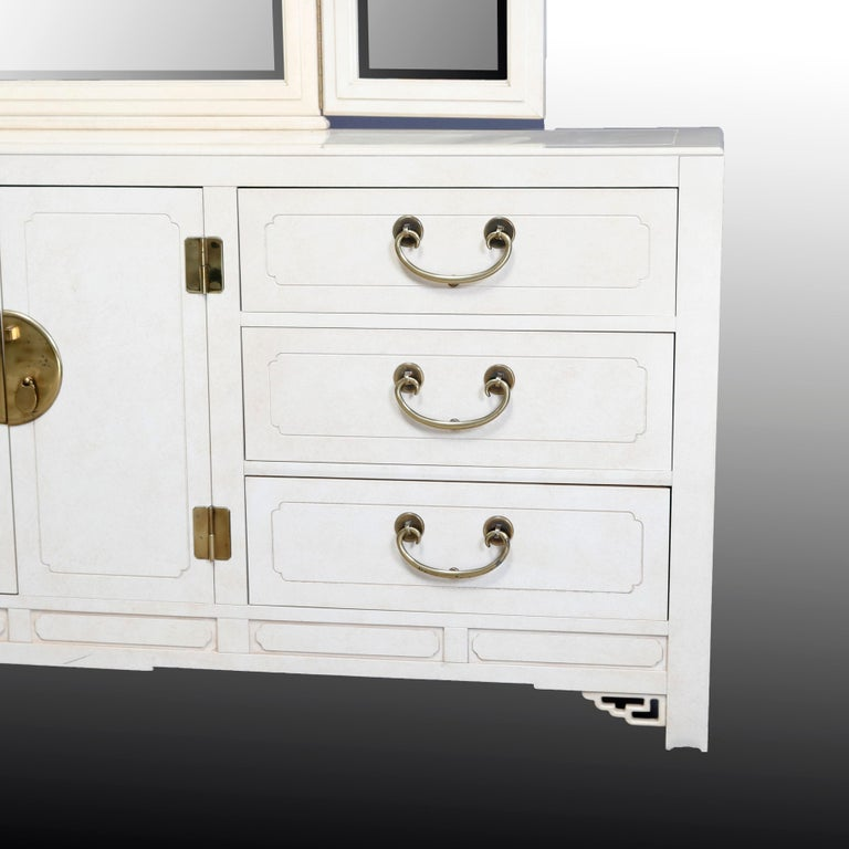 Mid-Century Modern Chinese Chippendale Ivory & Brass Mirrored Dresser In Good Condition For Sale In Big Flats, NY