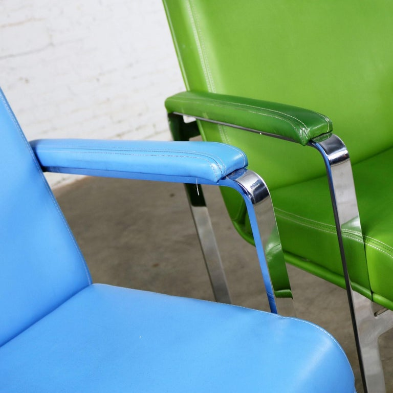 Mid-Century Modern Chromcraft Flat Bar Chrome Chairs One Blue One Green Vinyl For Sale 5