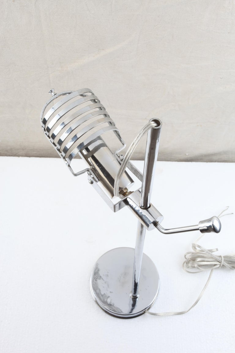 20th Century Mid-Century Modern Chrome Adjustable Desk Light For Sale