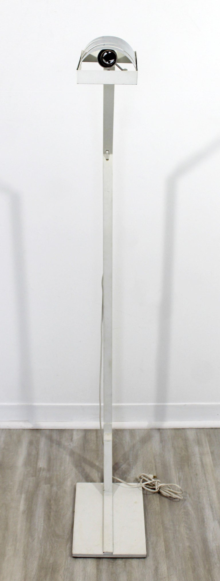 Mid-Century Modern Chrome and White Metal Adjustable Reading Floor Lamp, 1970s In Good Condition For Sale In Keego Harbor, MI