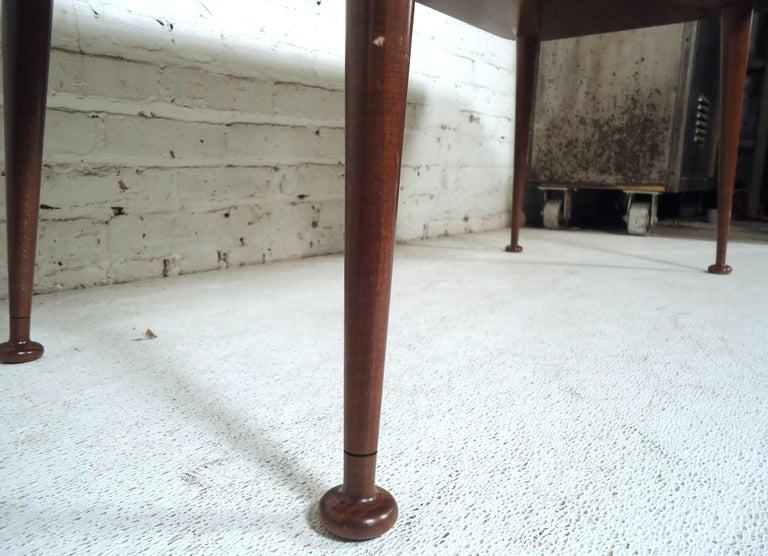 Mid-Century Modern Coffee Table For Sale 1