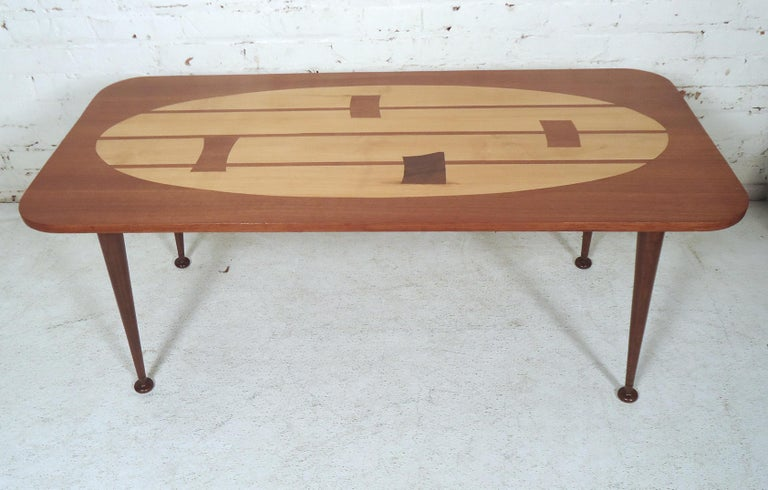 Mid-Century Modern Coffee Table For Sale 4