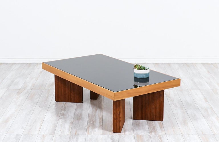 Mid-Century Modern Coffee Table with Smoke Glass Top In Excellent Condition For Sale In Los Angeles, CA