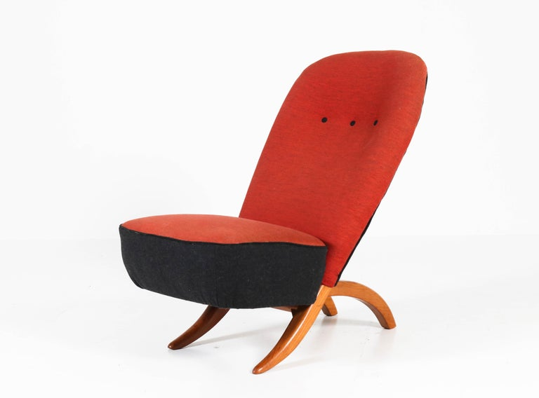 Stunning Mid-Century Modern Congo chair.