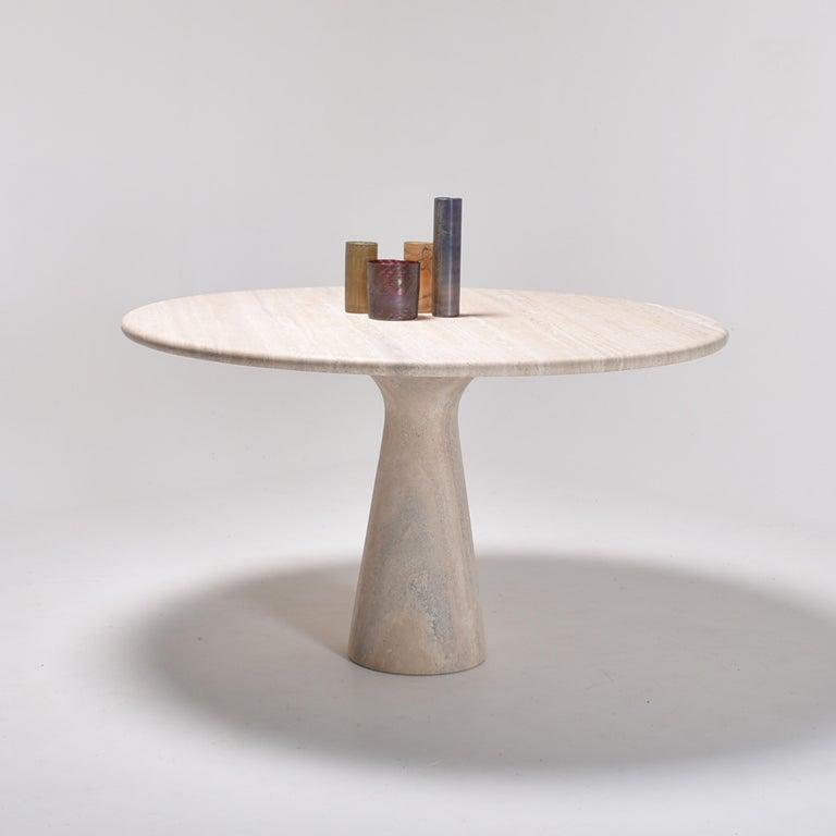 Mid-Century Modern Cream Round Pedestal Travertine Dining Table, Italy, 1970 For Sale 5