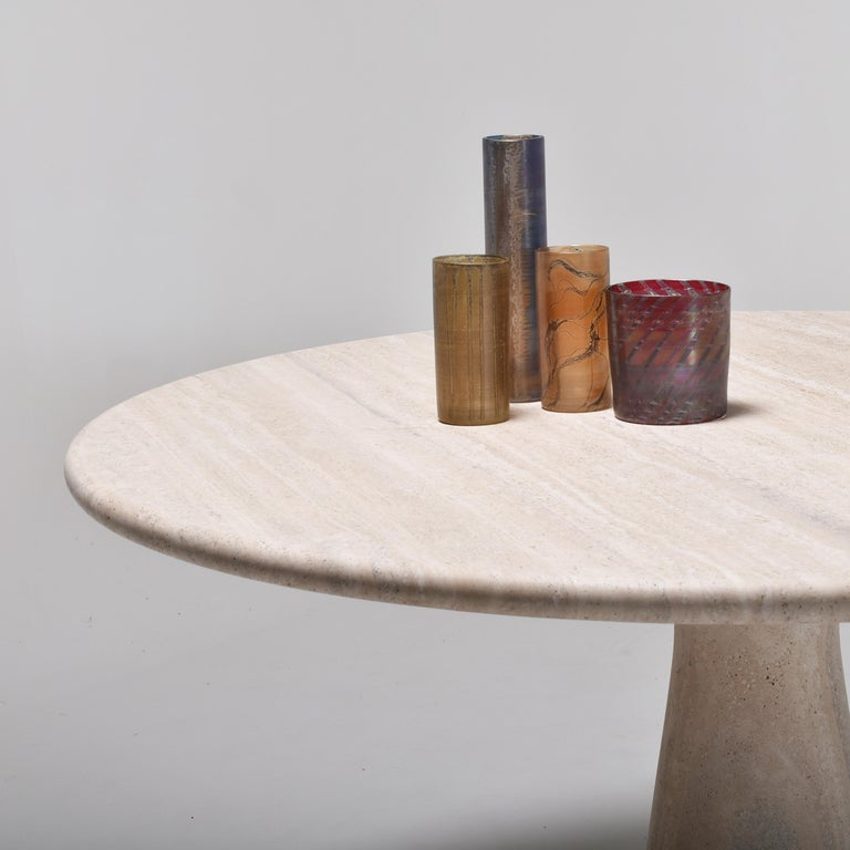 Mid-Century Modern Cream Round Pedestal Travertine Dining Table, Italy, 1970 For Sale 6
