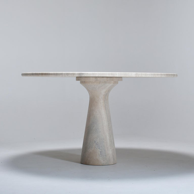 Mid-Century Modern Cream Round Pedestal Travertine Dining Table, Italy, 1970 In Good Condition For Sale In Le Grand-Saconnex, CH