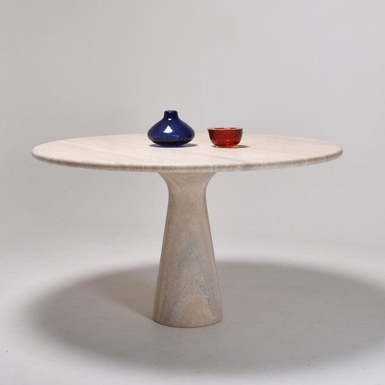 Mid-Century Modern Cream Round Pedestal Travertine Dining Table, Italy, 1970 For Sale 3