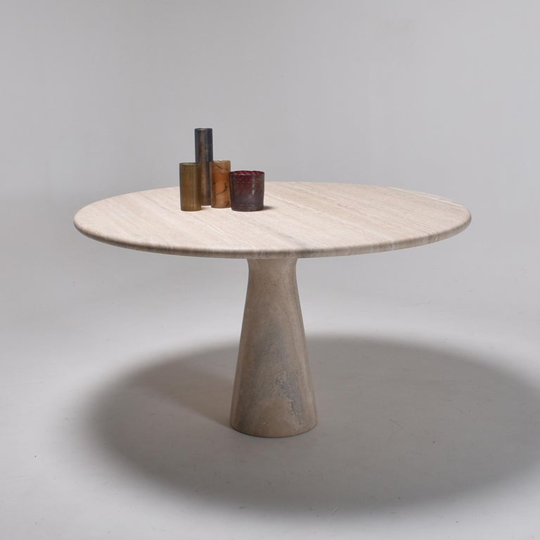 Mid-Century Modern Cream Round Pedestal Travertine Dining Table, Italy, 1970 For Sale 4