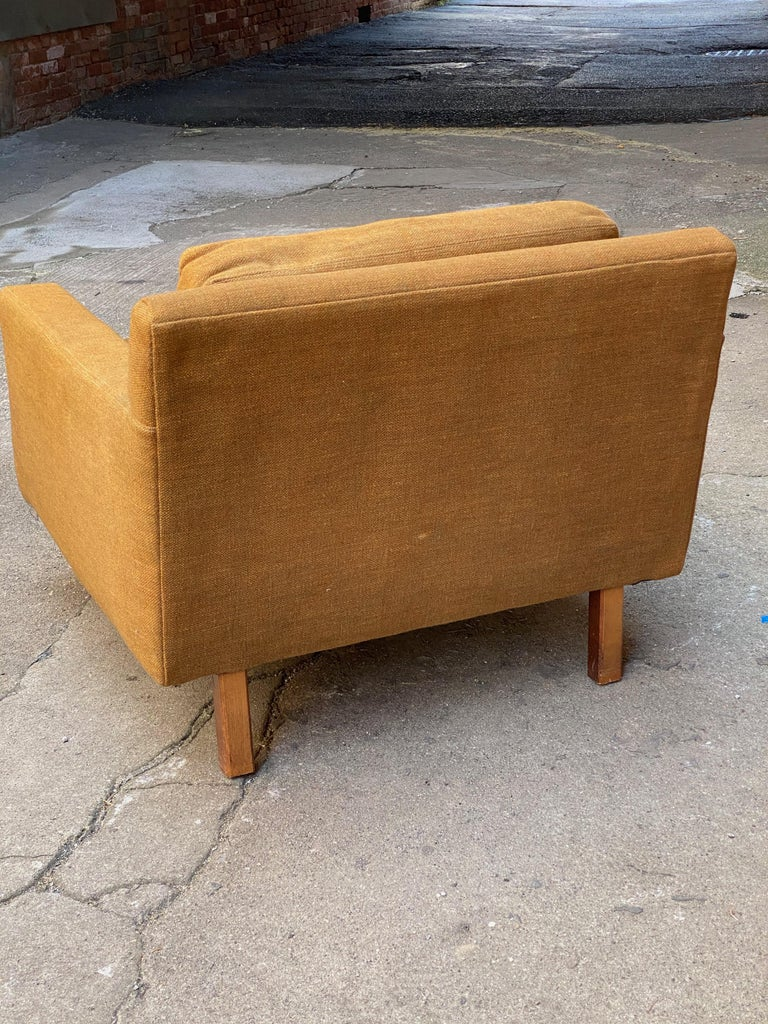 Mid-Century Modern Cube Chair In Distressed Condition For Sale In Garnerville, NY