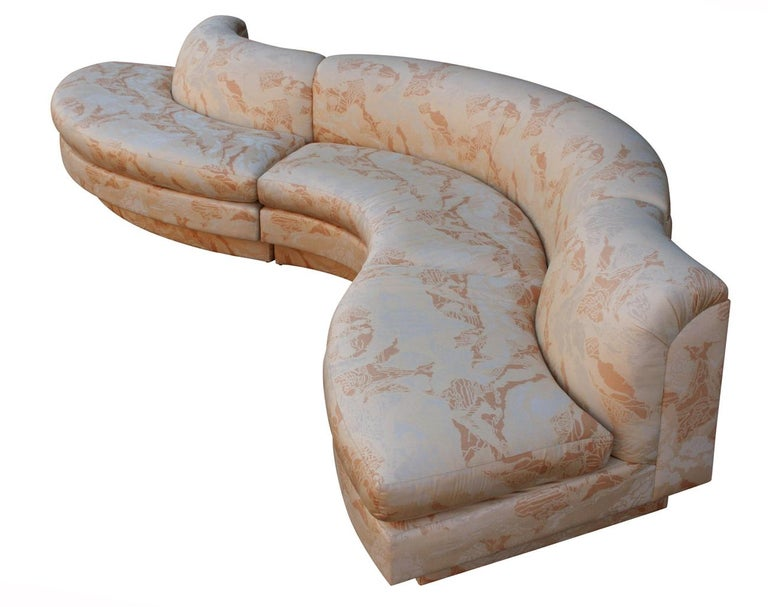 Mid-Century Modern Curved and Sculptural Serpentine Sectional Sofa Plinth Base For Sale 1