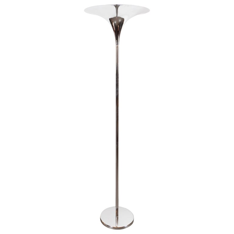 Mid-Century Modern Curvilinear and Sculptural Tulip Lamp in Lustrous Chrome For Sale
