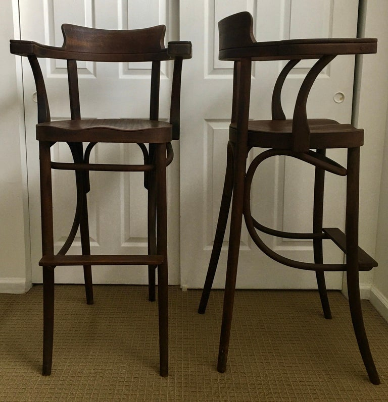 Mid-Century Modern Czech Bar Stools Sculptural Bentwood Thonet Style, Pair In Good Condition For Sale In Lambertville, NJ