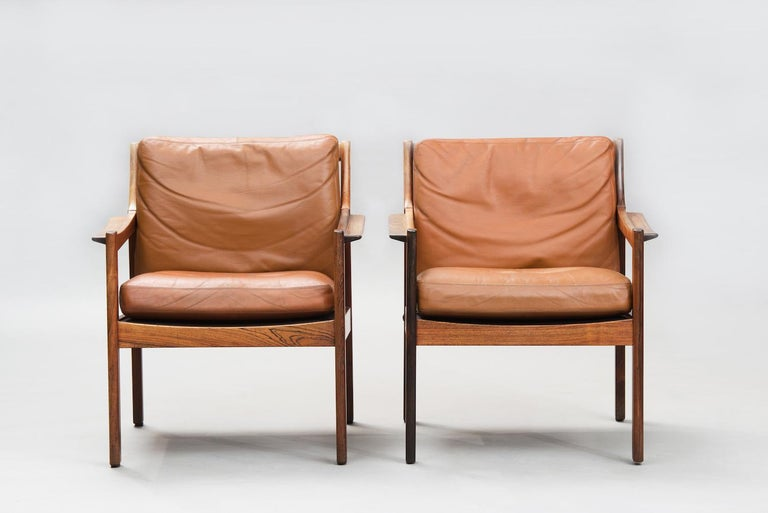 Varnished Mid-Century Modern Danish rosewood Armchairs For Sale