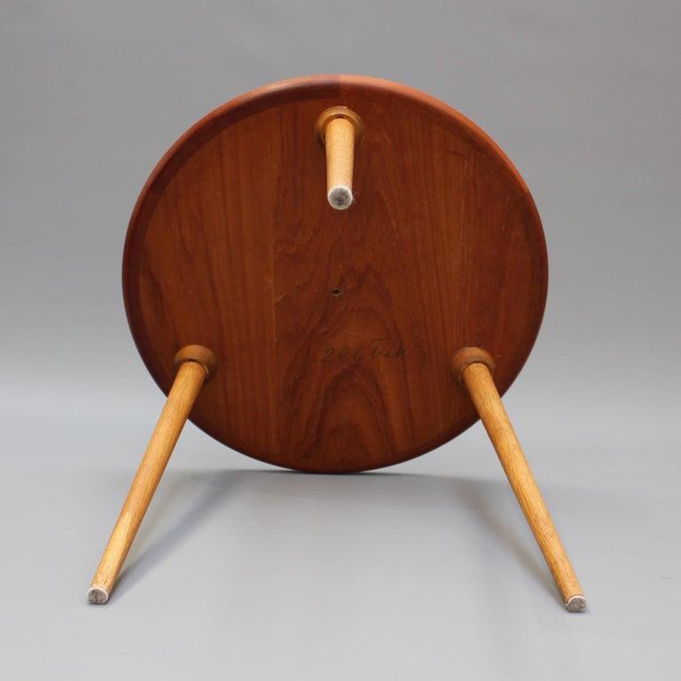 Mid-Century Modern Danish Circular Teak End Table, circa 1960s For Sale 7