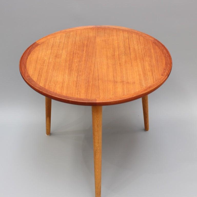 Scandinavian Modern Mid-Century Modern Danish Circular Teak End Table, circa 1960s For Sale