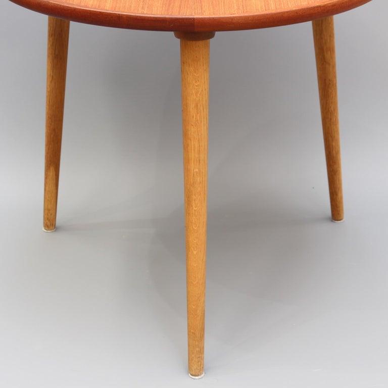 Mid-Century Modern Danish Circular Teak End Table, circa 1960s For Sale 1