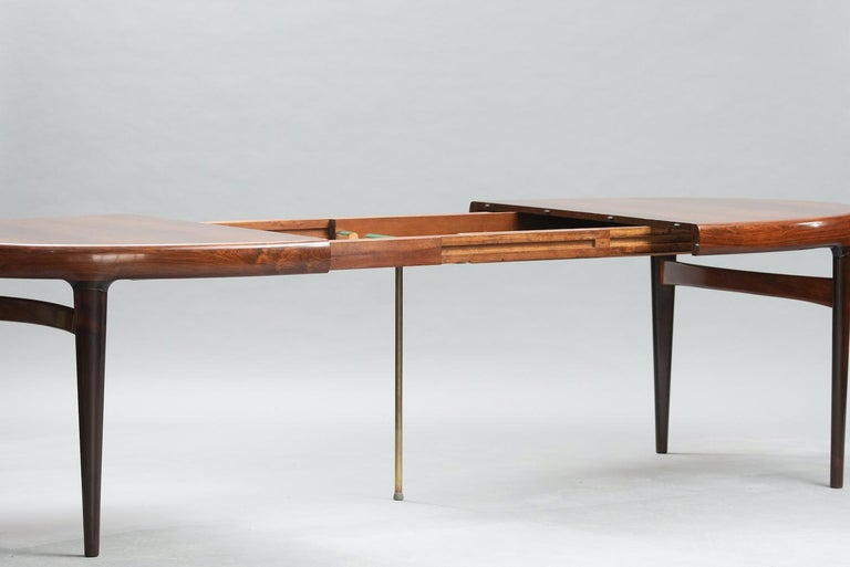 Varnished Mid-Century Modern Danish Dining Table For Sale